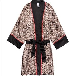Victoria's Secret Kimono / M